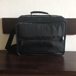 SafePort black laptop/business travel case